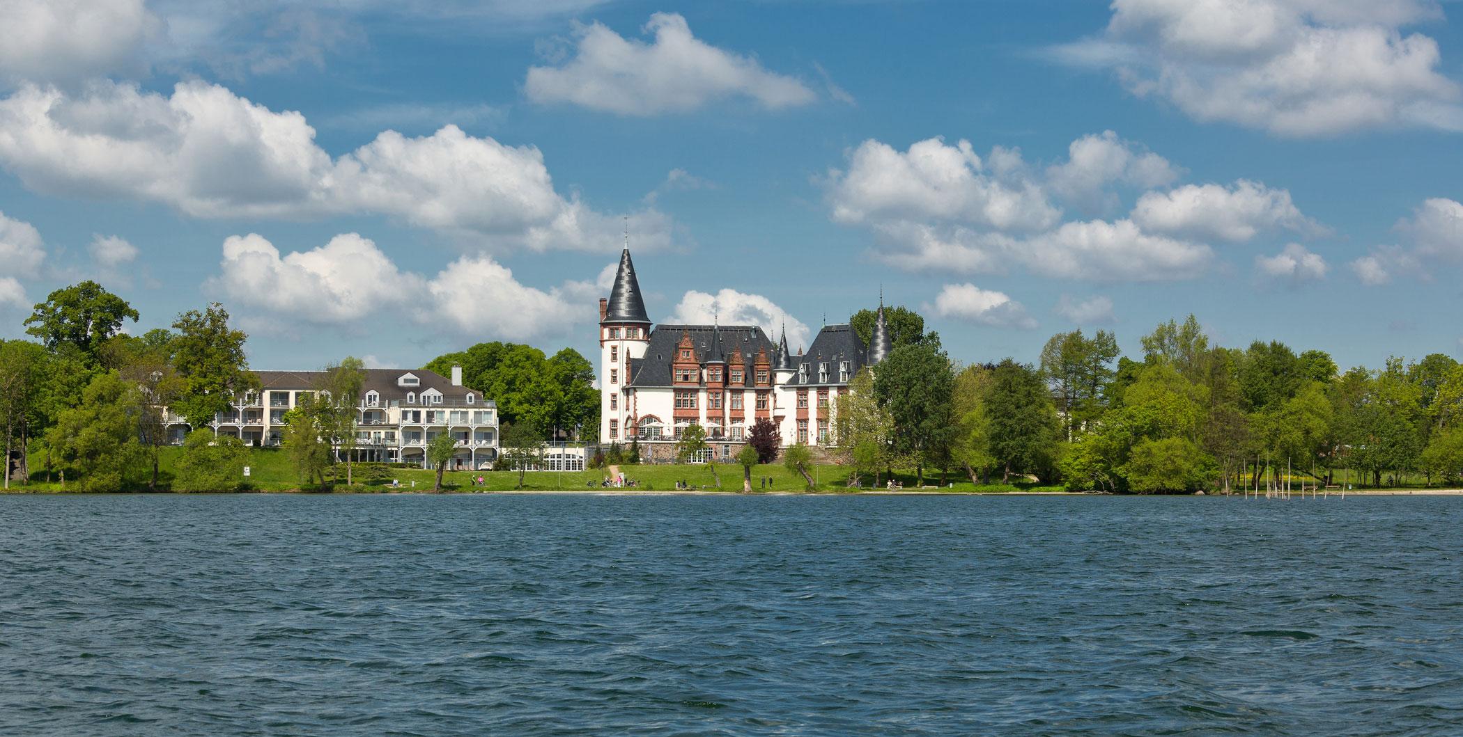 Schifffahrt zum Schloss der Müritz